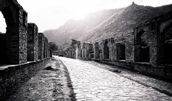 Bhangarh Fort Travel