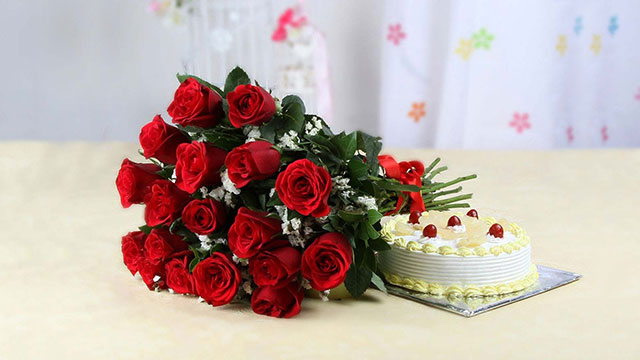 9-Roses-and-Cake-Hamper