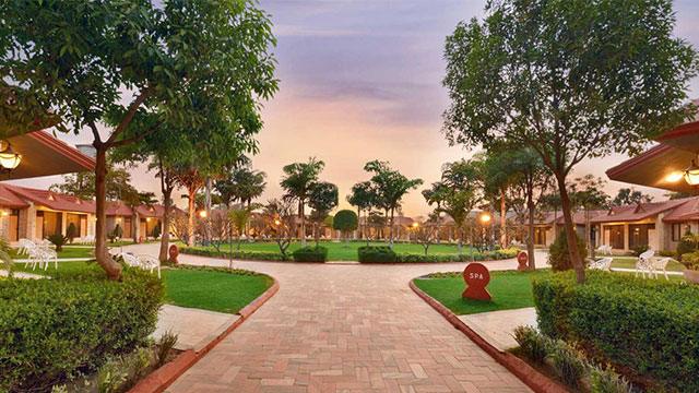 Shri Radha Brij Vasundhara Resort & Spa - Resort near Delhi