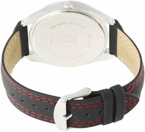 Titan NH1582KL02 Tagged Analog Watch