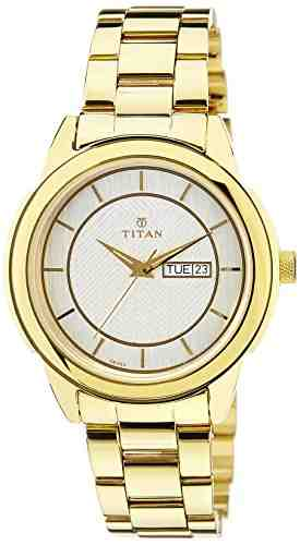 Titan 1585YM02 Analog Watch