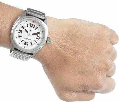 Fastrack NG3076SM03 Analog Watch
