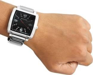 Titan NF1586SM02 Decker M Analog Watch