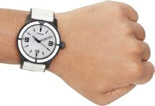 Titan NB9413NH01 Analog Watch