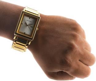 Sonata NG77003YM03 Analog Watch