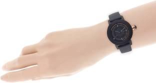 Titan 2525KL01 HTSE 3 Analog Watch (2525KL01)