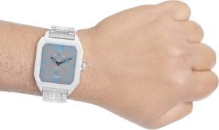 Titan Octane 1643SM02 Analog Watch