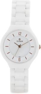 Titan 95018KC01J Analog Watch