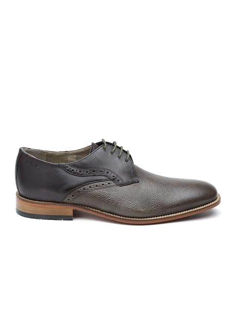 Clarks Men Brown Textured Leather Casual Shoes