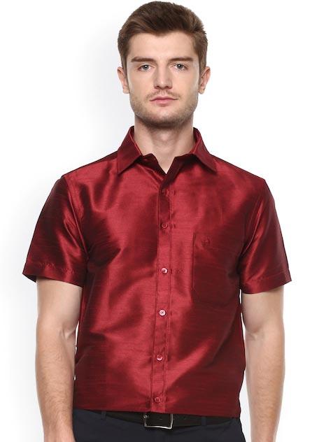 Khoday Williams Men Maroon Regular Fit Solid Formal Shirt