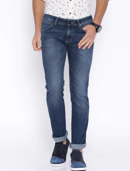 Wrangler Blue Low-Rise Skanders Slim Fit Jeans