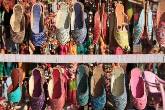 stylish juttis or Mojdis