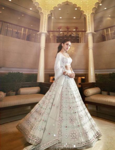 Sara Ali Khan Photos: 8 Looks Where She's Acing The Style