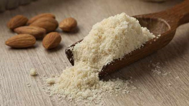 Almond & Curd Face Pack for Oily Skin